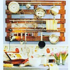 Kitchen lovers  #inspiracao #remobilia #homeinterior #designed #designinterior #palete #recicle #decore #decoracao #sustentabilidade #paletes #decorcriative #ideiascriativas #inspiracao #palletsbelo #palete #belohorizonte #minasgerais #sdv #trocolikes #palletesmg #palletsbelo #móvelsustentável #madeira #pallet #cozinha by palletsbelo http://ift.tt/1NEXQC7