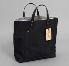 INDIGO SELVEDGE DENIM MARKET BAG WITH BLACK SELVEDGE DENIM DETAILS :: HICKOREE'S
