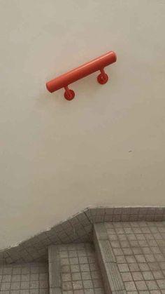 Cette rampe.