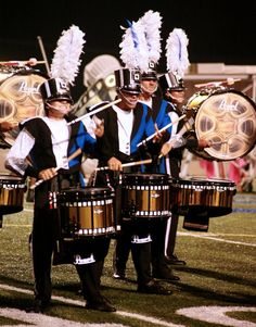 Drum corps 2014 pchagnon images blue devils marching snare drum, marching m Funny Senior Pictures, Country Senior Pictures, Marching Band Uniforms, Marching Bands, Marching Band Pictures, Marching Snare Drum, Drum Major, Drum Corps International, Drumline
