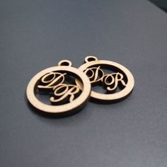 20 Medalhas Para Convites e Caixas Personalizadas em Mdf (Sem Pintura) com as Iniciais que o Cliente Desejar