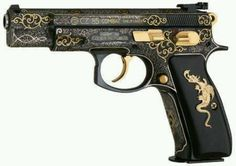 Pretty gun. Can't tell. Appears for be a 45...9 mil maybe? Who knows...pretty.
