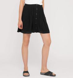 Falda con tira de botones en negro