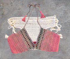 Crochet el bikiní con borlas tapa de bikiní del ganchillo de
