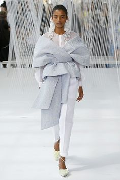 New York Fashion Week 2016: La luminosidad etérea de Delpozo - Foto 1 de 40   Nueva York Fashion Week   EL MUNDO