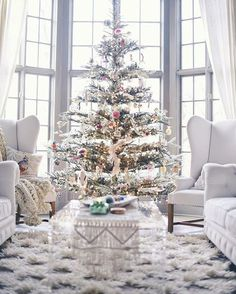 All White Christmas Style Series – The Happy Housie