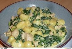 Gnocchi s kuřecím masem, špenátem a sýrovo smetanovou omáčkou Easy Dinner Recipes, Pasta Recipes, Chicken Recipes, Cooking Recipes, Healthy Recipes, Czech Recipes, Ethnic Recipes, How To Cook Potatoes, Food 52