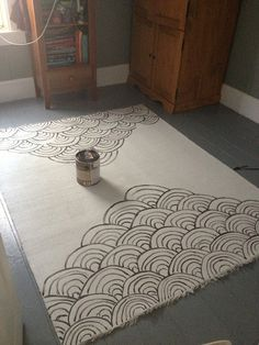 DIY Painted Rug: would be gorgeous on a canvas as well...maybe with a color scheme to fit the room of choice it'll be placed in :)