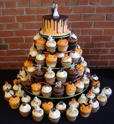 Halloween Wedding by cupcakeology