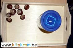 Promotional tray for the little ones. Materials: chestnuts and an empty coffee … - Kleinkind Montessori Trays, Montessori Materials, Food Preparation, Little Ones, Empty, Coffee, Advent, Invitations, School