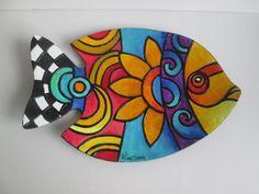 Ceramic Painting, Stone Painting, Ceramic Art, Pottery Painting Designs, Rock Painting Designs, Painting Patterns, Fish Wall Art, Fish Art, Fish Crafts