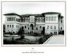 YANYA / IOANNINA / JANINA: EŞSİZ DEĞERDE BİR FOTOĞRAF Ottoman Empire, Art And Architecture, Istanbul, Greece, Island, Mansions, Landscape, House Styles, Places