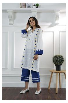 Simple Pakistani Dresses, Pakistani Fashion Casual, Pakistani Dress Design, Pakistani Bridal, Pakistani Kurta Designs, New Kurti Designs, Kurta Designs Women, Kurti Designs Party Wear, Latest Dress Design