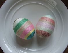 Yarn wrapped eggs-no mess! Use paper mache or wooden eggs from a craft store. Egg Crafts, Easter Crafts, Holiday Crafts, Easter Ideas, Holiday Ideas, Craft Activities For Kids, Crafts For Kids, Craft Ideas, Making Easter Eggs