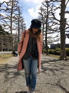Outfit for cherry blossom viewing in Tokyo, Japan - April Japan Spring Outfit Travel, Spring Outfits Japan, Japan Outfit, Winter Travel Outfit, Winter Outfits, Cherry Blossom Outfit, Shinjuku Gyoen, Travel The World Quotes, Casino Outfit