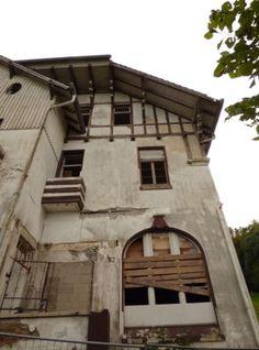 verfallener Burghof am Drachenfels, Foto: S. Hopp