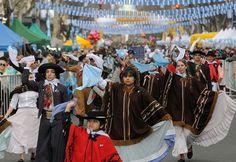 Perfil.com | Fotogaleria | Una multitud festeja la vigilia del Bicentenario en todo el país | Foto 8