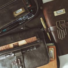 """Gefällt 666 Mal, 17 Kommentare - Tina (@pastelpaperplane) auf Instagram: """"• I know I am not the only one who likes to smell, touch & stroke her leather goods #nerdsforlife…"""""""