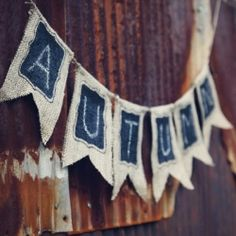 Easy DIY Chalkboard Banner- perfect for decorating or photo shoots. Just erase and reuse! Step-by-step instructions plus free template. Fall Crafts, Diy Crafts, Burlap Crafts, Chalkboard Banner, Chalkboard Paint, Fall Harvest, Harvest Farm, Happy Fall, Fall Halloween
