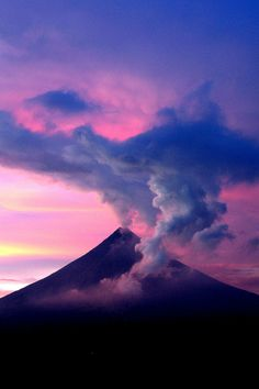 Mayon volcano, Philippine by Maria Luisa Roldan