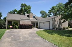 11822 Spruce Hill Dr, Houston, TX 77077 - Home For Sale and Real Estate Listing - realtor.com®