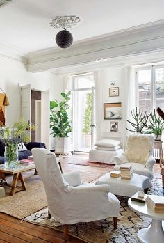 lessons in living like the french. | sfgirlbybay | Bloglovin' | www.bocadolobo.com/ #livingroomideas #livingroomdecor