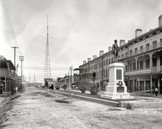 """Mobile, Alabama, circa 1901. """"Duncan Place and Semmes monume"""