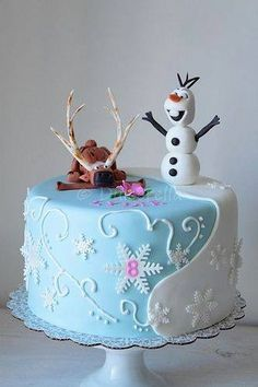 Disney Frozen Sven & Olaf cake