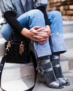 Sandália com meia: inverno cheio de ousadia
