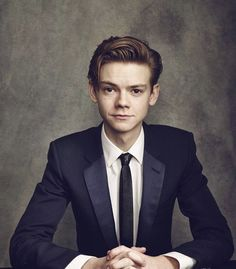 📸 Thomas Sangster for Moet British Independent Film Awards, Dylan Thomas, Dylan O'brien, Maze Runner Thomas, Maze Runner Cast, Maze Runner Series, Thomas Brodie Sangster, Hunger Games, Beautiful Boys, Beautiful People