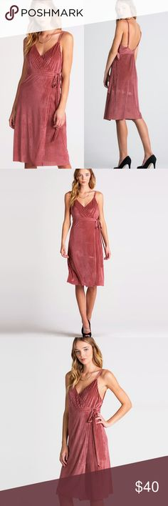 """Wrap around Mauve Lightweight Velvet Chic Dress ❤️ BUNDLES ❤️ DISCOUNTS ❌ NO TRADES ❌ NO Low balling!  • Lining • Adjustable Straps • Lightweight   * MEASUREMENTS: •  Small - Length: 37.5"""" Approximately •  Medium - Length: 38.75"""" Approximately •  Large - Length: 39.5"""" Approximately  * MATERIAL: • Shell: - 90% Polyester, 10% Spandex • Lining: - 100% Polyester Dresses Midi"""