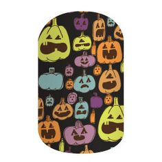 Stir up some Halloween mischief with 'Tricks & Treats'! Featuring multi-colored jack-o-lanterns on a matte-black background, this festive design is sure to get you in the Halloween spirit. Halloween Party Treats, Halloween Trick Or Treat, Halloween Nail Art, Spirit Halloween, Holidays Halloween, Halloween Tricks, Jamberry Fall, Jamberry Nail Wraps, Diy Vinyl Nails