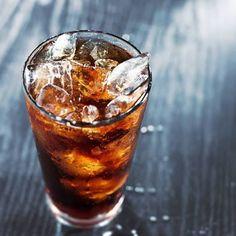 La Coca Cola es una bebida muy famosa en el mundo, asociada al desarrollo de varios problemas de salud. Hoy te presentamos 11 usos alternativos.