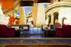 An architectural lounge area could make a great cocktail hour location at the Crystal Gateway Marriott. {Crystal Gateway Marriott}
