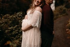 These Oregon maternity photos at Silver Falls will give you all the dreamy inspiration for your own maternity session! Alyssa and Kelii were the sweetest!   I'm Monique, an Oregon family photographer & Oregon maternity photographer, and I'd love to photograph your next family photos!! Maternity Photo Outfits, Maternity Photos, Maternity Photographer, Maternity Session, Pregnancy Photos, Maternity Dresses, Family Photographer, Silver Falls, Anniversary Photos