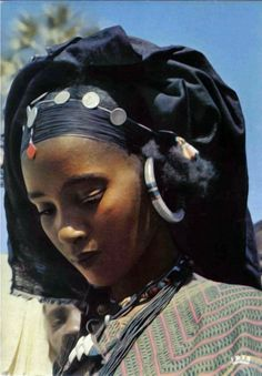 Africa | Young Tuareg woman. Niger || Scanned postcard; publisher IRIS