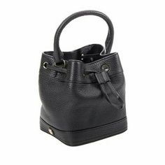 ▪SALE▪Tory Burch leather bucket bag xbody NWT Brand new with tags  Detachable shoulder strap  Drawstring closure Inside zipper I slip pocket and 1 snap closure pocket ❌NO LOWBALL OFFERS ❌ NO NEGOTIATING OVER COMMENT, USE OFFER BUTTON ❌ NO TRADES Tory Burch Bags Crossbody Bags