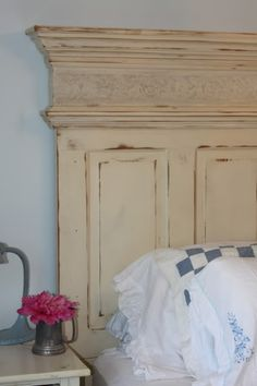 still looking for an old door that I can have my husband make me a head board like this one!!!