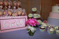 Baby girl cake pops.