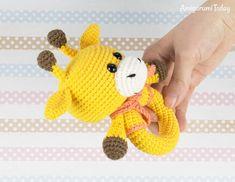Giraffe baby rattle - Free crochet pattern designed by Amigurumi Today