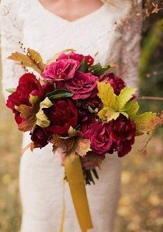Red Wedding Flowers, Fall Wedding Colors, Bridal Flowers, Love Flowers, Floral Wedding, Beautiful Flowers, Fall Flowers, Fall Bouquets, Fall Wedding Bouquets