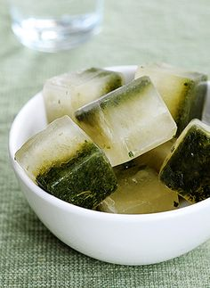 Lemon Mint Ice Cubes! 12 Flavored Ice Cube Ideas...Pretty cool or should I say cold?