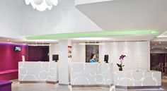 Ibis Styles Madrid Prado Madrid The Ibis Styles Madrid Prado is in Madrid's Art Triangle, just 500 metres from Puerta del Sol, and 300 metres from Anton Martin Metro Station. It offers stylish rooms with free Wi-Fi and flat-screen satellite TV.