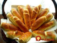 Najlepšie domáce rožky Sandwich Recipes, Bread Recipes, Slovak Recipes, Bread And Pastries, Bread Rolls, Croissant, Hot Dog Buns, Baguette, Sandwiches