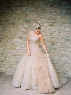 Photography: Katie Grant - www.katiegrantphoto.com Wedding Dress: Vera Wang - www.verawang.com   Read More on SMP: http://www.stylemepretty.com/2015/11/18/classic-tuscan-villa-wedding/