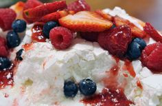 Teen-tested recipe: Mixed Berry Pavlova | Online Gargoyle Mixed Berries, Arts And Entertainment, Pavlova, Berry, Good Food, Teen, Meals, Recipes, Blueberries