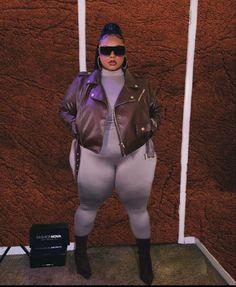 Fat Girl Fashion, Curvy Women Fashion, Plus Size Fashion, Curvy Girl Outfits, Teen Fashion Outfits, Ssbbw, Beautiful African Women, Aesthetic Women, Baddies