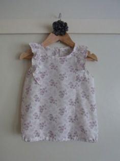 ミシン初心者でも作れる 簡単でカワイイ ベビー&子供服の無料型紙と作り方をまとめました。 買っても買ってもすぐにサイズが合わなくなる子供服。小さい面積なのに大人顔負けの値段がします。だったら 簡単につくってみませんか? *商用利用不可です*