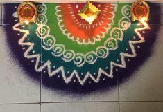 Easy Diwali Rangoli, Rangoli Designs Diwali, Simple Rangoli, Rangoli Photos, Rangoli Ideas, Lotus Rangoli, Diwali 2018, Festivals, Colours