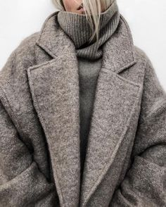winter outfits warm 12 Warm Winter Outfits That Ar - winteroutfits Estilo Fashion, Look Fashion, Ideias Fashion, Trendy Fashion, Fashion Mode, Fall Fashion, Fashion Stores, Fashion Websites, Fashion 2018
